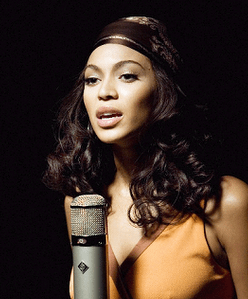 http://www.scarveswraps.com/wp-content/uploads/2010/07/beyonce-scarf.png