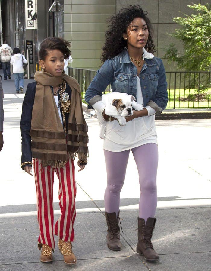 Willow Smith takes her dog for a walk in Manhattan on October 19, 2010