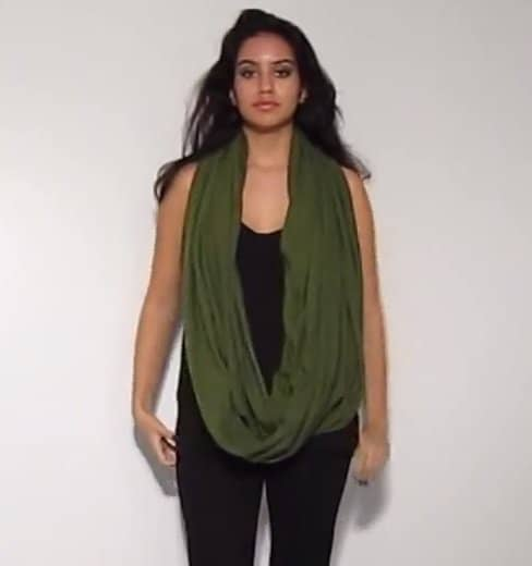 Look - How to funnel a wear neck scarf video