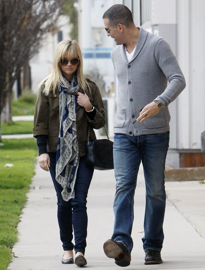 Reese Witherspoon out and about in Los Angeles with Jim Toth on January 22, 2012