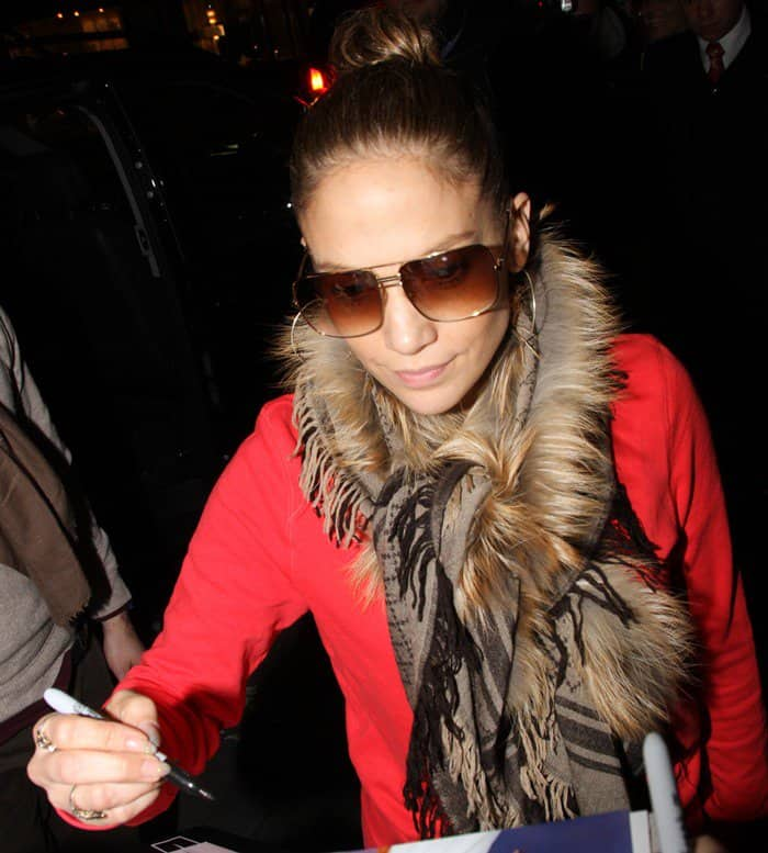 Jennifer Lopez arriving at Mandarin Hotel in Munich after flying in from London on October 24, 2012