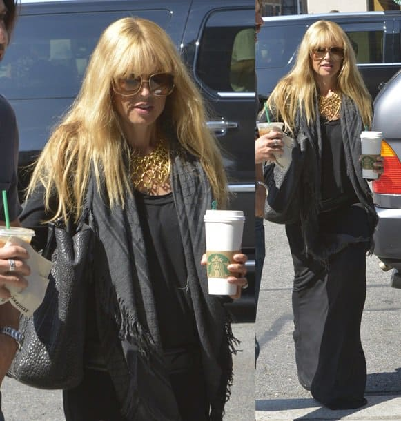 Rachel Zoe grabs coffee with her husband, Rodger Berman, while decked in an all-black outfit in New York City on August 27, 2013