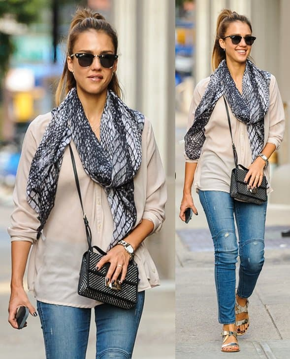 Jessica Alba enjoys a day with friends while visiting New York on September 10, 2013