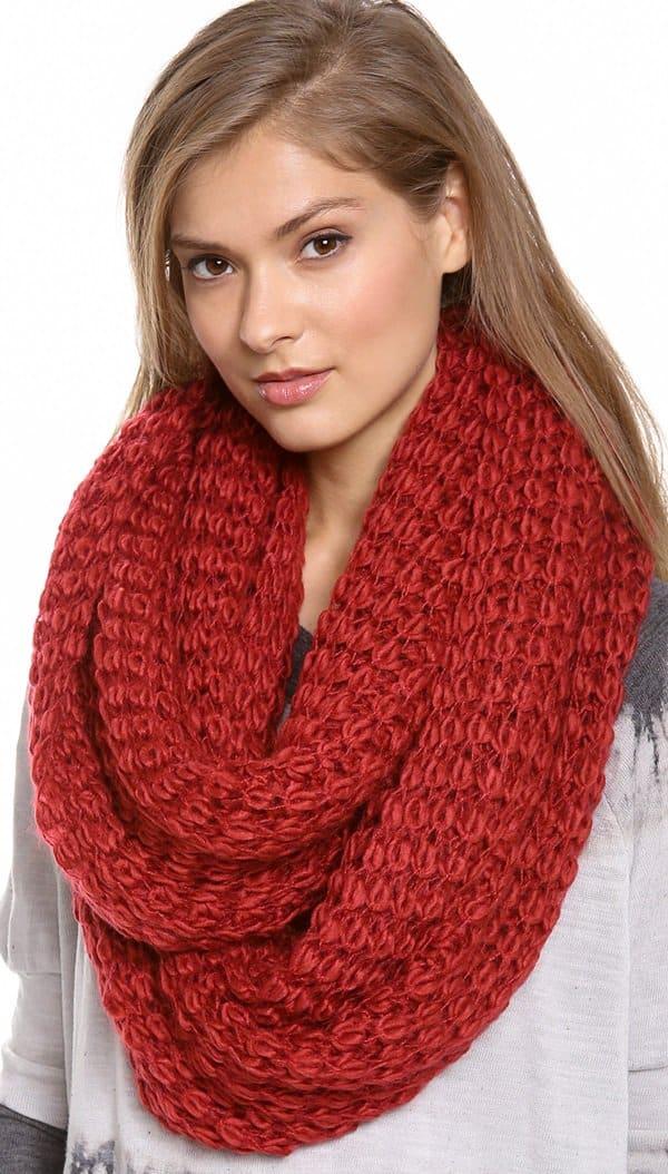 Paula Bianco Chunky Knit Wrap Scarf in Red