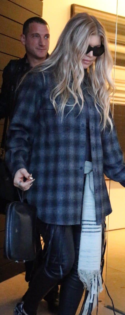 Fergie goes Christmas shopping