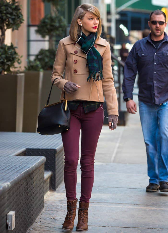 Taylor Swift shops at the Steven Alan store in New York City, on March 28, 2014