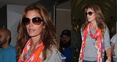 How to Look Elegant in Thong Sandals Like Cindy Crawford