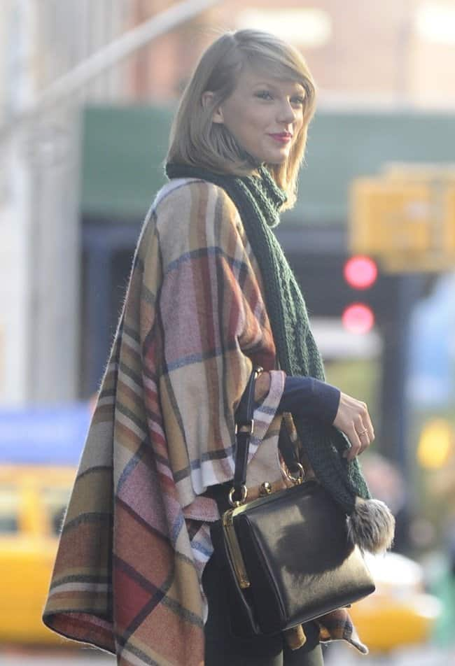 A Chic Way to Layer Your Scarf and Cape a La Taylor Swift