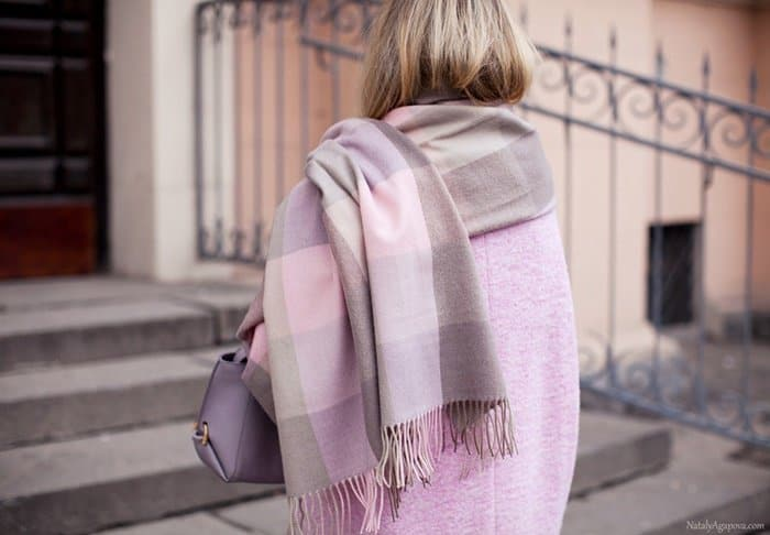 This blanket scarf idea is straight from Russian blogger, Victorina Platina