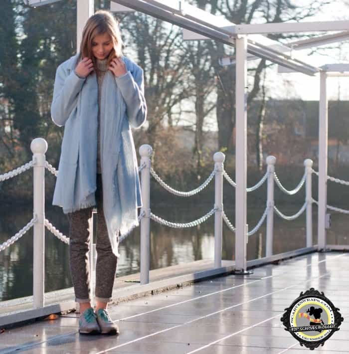 Ruth shows how to wear blue-on-gray
