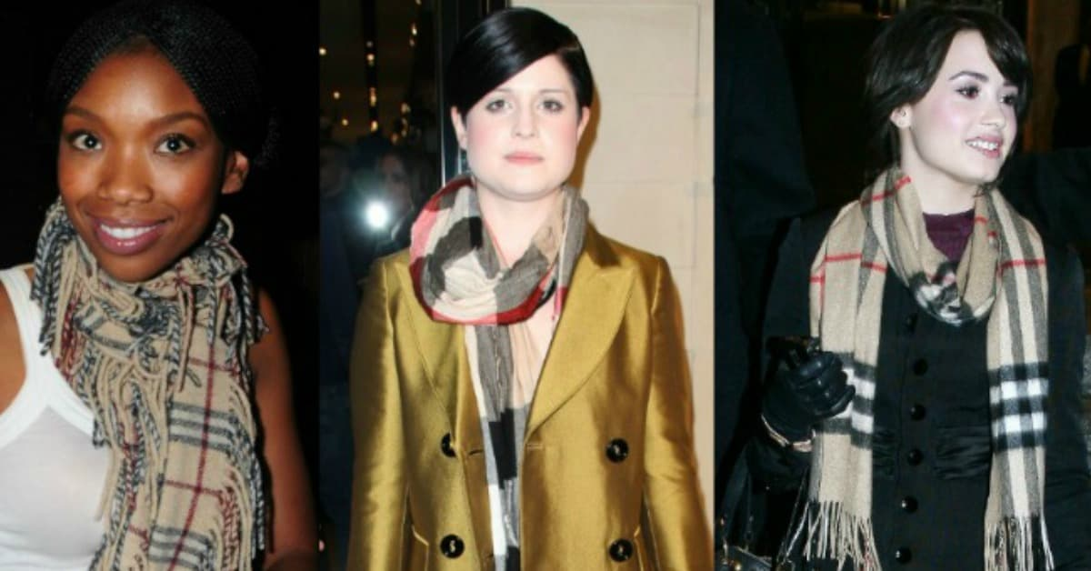 nuovi prodotti per cerca il più recente enorme inventario How to Spot a Fake Burberry Scarf: 6 Ways to Tell Real Scarves