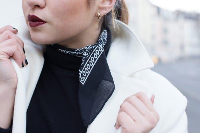 Romina's bandanna-styled look