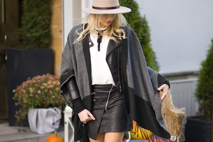 Agnieszka knows how to look classy in a leather mini skirt